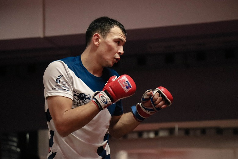 Трэш-ток: бразилец из UFC сравнил Исмагулова с побитой крысой