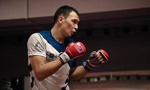 Трэш-ток: бразилец из UFC сравнил Исмагулова с побитой мышью