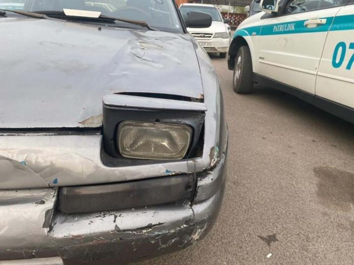 Сомнительный тюнинг: нетрезвый житель Каскелена поцарапал ножом чужую машину