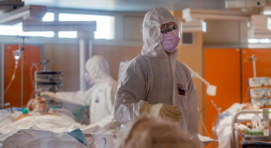 Свыше 2200 работников различных организаций Алматы заразились COVID-19
