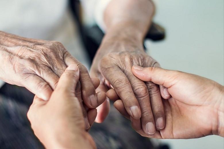 Бакытжан Сагинтаев призвал беречь здоровье ветеранов и всего старшего поколения