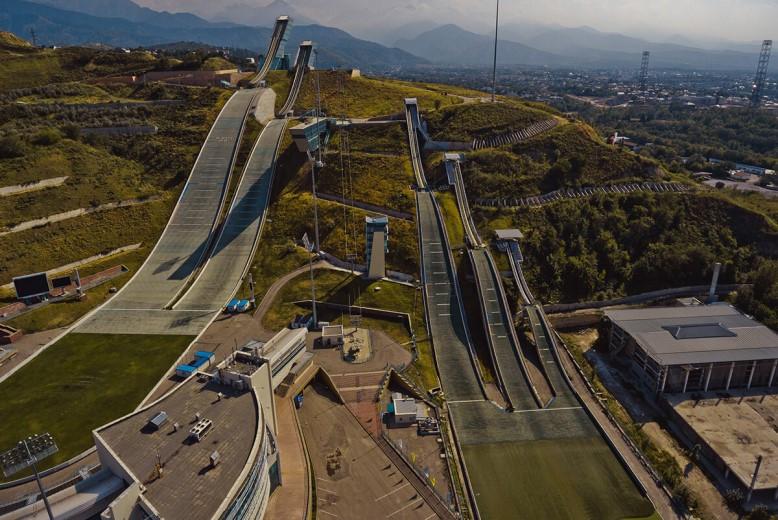 Международный комплекс лыжных трамплинов «Сункар» озеленят и укрепят от оползней