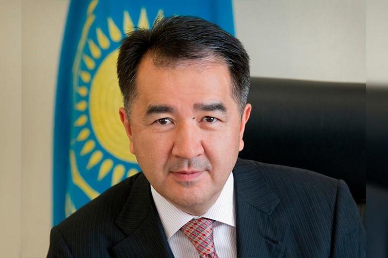 Бакытжан Сагинтаев поздравил горожан с Днем Победы