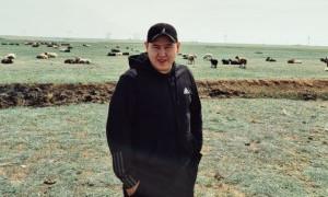 Отдых с хейтерами: Иманбек сфотографировался на фоне овец и баранов