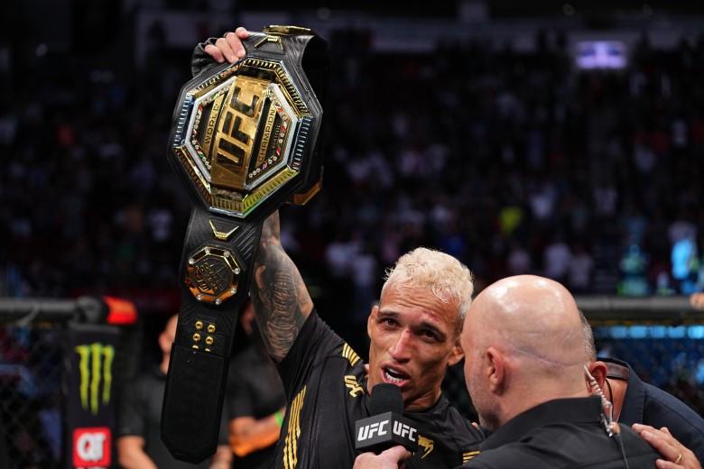 Преемник Хабиба: бразилец Оливейра стал новым чемпионом UFC в легком весе