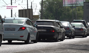 Алматы облысында кептелістің кесірінен жол-көлік апаты жиі болады
