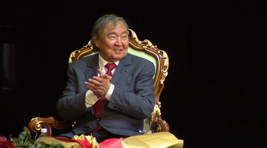 Творческий вечер посвятили Олжасу Сулейменову в Алматы