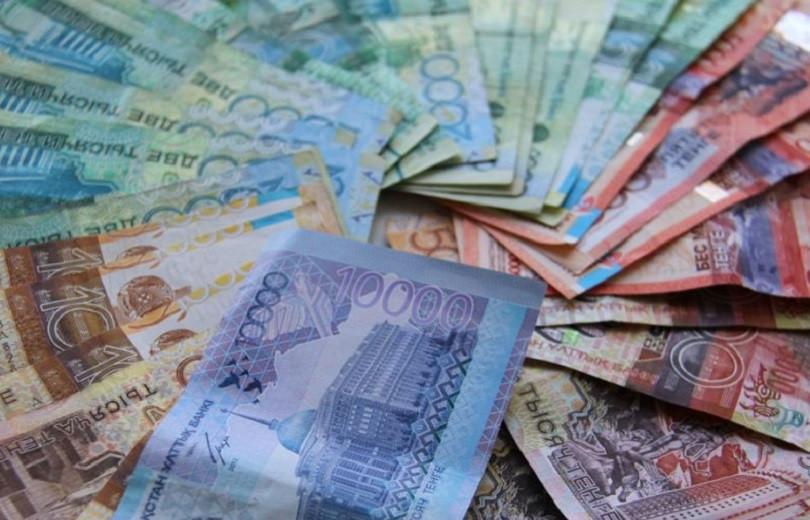Перед законом все равны: чиновников оштрафовали на 3,4 млн тенге