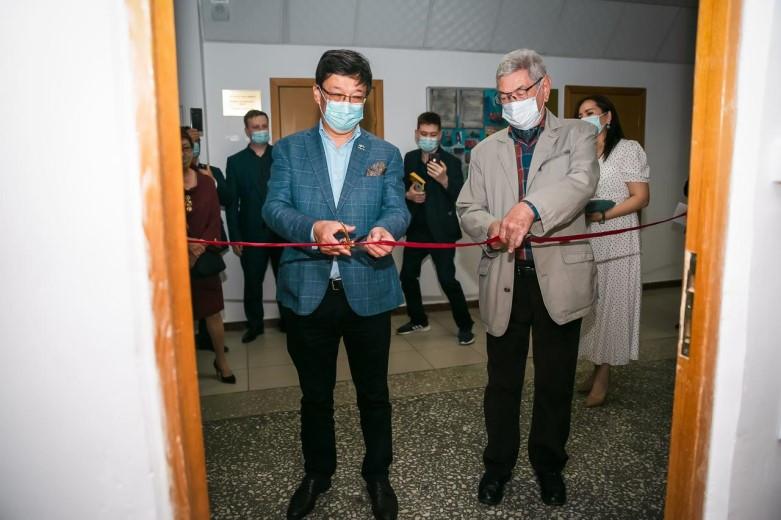 В МОК состоялось торжественное открытие аудитории имени А. И. Рустембекова