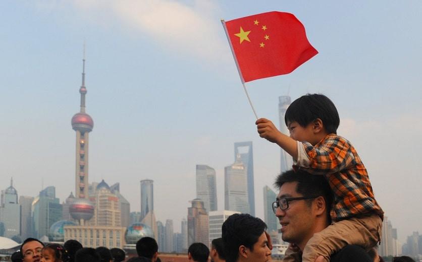 Дочки - сыночки: в Китае семьям разрешили иметь троих детей