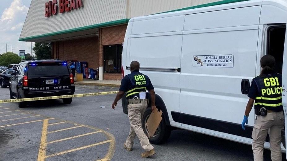 Спор из-за маски в супермаркете завершился стрельбой и гибелью кассира