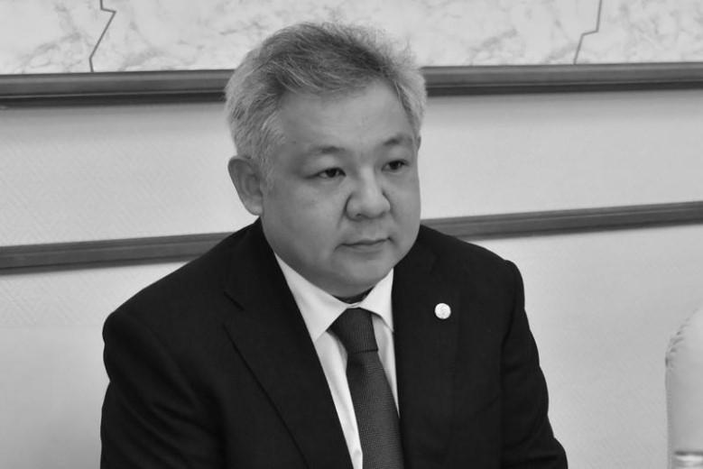 Сенаторлар дипломат Асхат Нұсқабайдың отбасына көңіл айтты