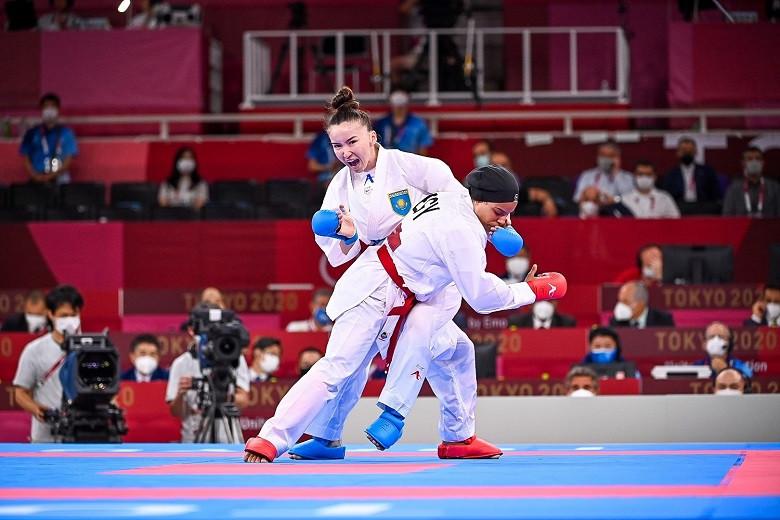 Каратистка Молдир Жанбырбай стартовала с победы на Олимпиаде-2020