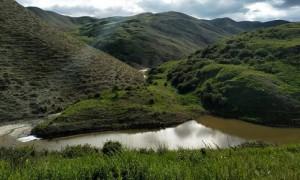 Место, где не ждут туристов: в Алматинской области существует удивительное целебное озеро