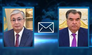 Президент РК поздравил Эмомали Рахмона с 30-летием Независимости