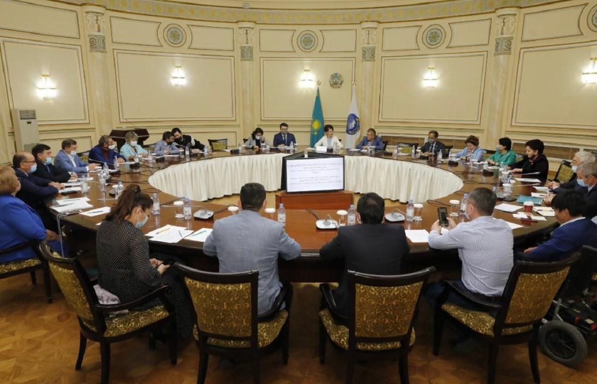 Аида Балаева встретилась с членами Общественного совета Алматы