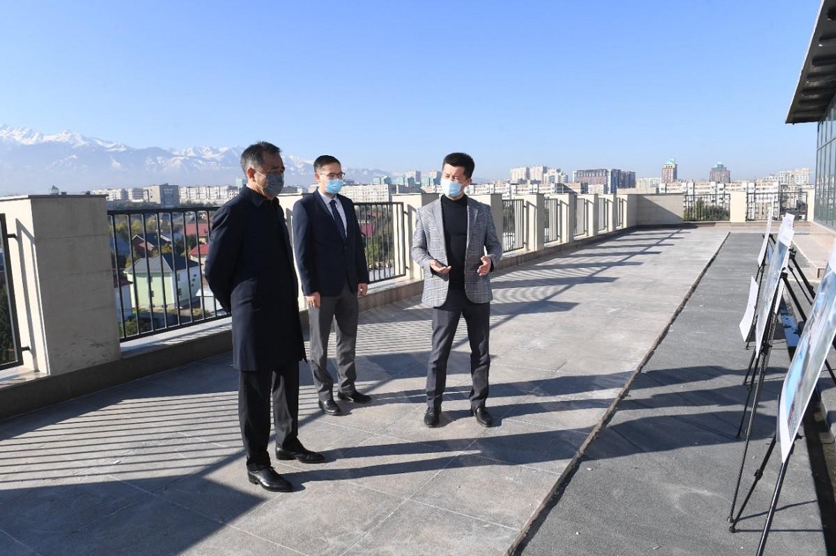 Б. Сагинтаев ознакомился с ходом строительства бизнес-инкубатора и акселератора MOST IT Hub Almaty