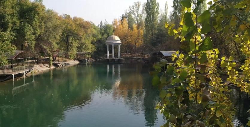 Осенняя сказка в Алматы: где можно сделать шикарную фотосессию