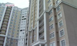 Житель Нур-Султана заперся в квартире с детьми и угрожал полицейским стрельбой