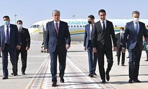Токаев прибыл с государственным визитом в Ашхабад