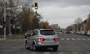 """Знак """"плюс"""" на светофоре появился в Казахстане: что он означает"""