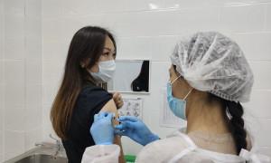 COVID-19: с начала февраля в Алматы вакцинировано I компонентом 990 225 человек